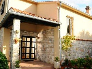 Haus in Murter-Kroatien,familienfreundlich,strandnah,ruhig,free WiFi,bis 6 Pers.