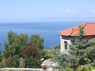 Traumhafte Lage idyllisch, direkt am Meer: Ferienwohnung mit Wifi in Messenien,