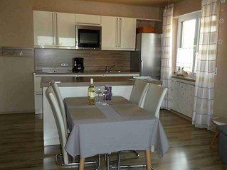 Geräumige 90qm Ferienwohnung mit Balkon und Terrasse, kostenfreies WLAN
