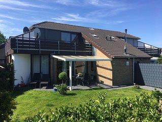 Ruhig gelegenes Ferienhaus mit Teichblick - ca. 500m zum Grevelingen Strand