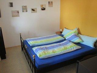 Kleines Appartement (22qm) ohne Küche mit Doppelbett und Balkon