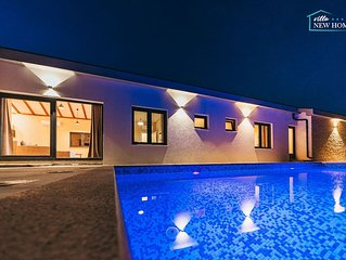 ctim290-Luxusvilla mit Pool 6+2 Personen