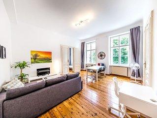 Neu-renovierte schöne klassische Wiener Altbauwohnung (3 Zimmer) im Stadtzentrum