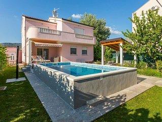 Ferienhaus Stobrec fur 8 Personen mit 4 Schlafzimmern - Ferienhaus