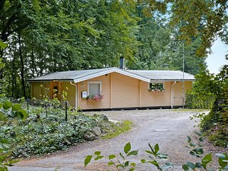 Ferienhaus aus Holz auf 1000 m2 Wald-Grundstückfür 6 Personen