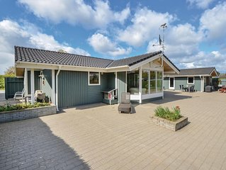 2 Zimmer Unterkunft in Egå