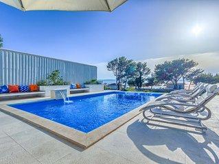 6 Schlafzimmer Villa mit Pool direkt am Strand fur 12 Personen