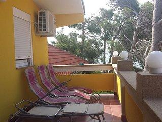 Feriehus med stor terrasse og havudsigt - 25m fra stranden