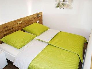 Ferienwohnung, 50qm mit Terrasse und Wohn- / Schlafzimmer
