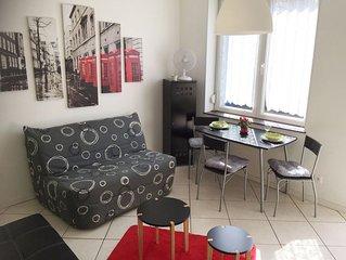 Schone 45 m2 grosse Ferienwohnung mit grosser sonniger Terrasse in ruhiger Lage