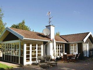 4 Zimmer Unterkunft in Hornbaek