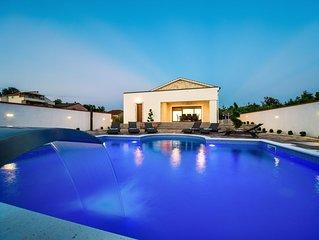 Villa MARY mit Pool und Sauna