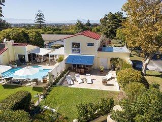 Cottage Cabernet, 4-STAR, Voll-Kuche, Fast-WiFi, 50' Smart-TV, Solar-Pool