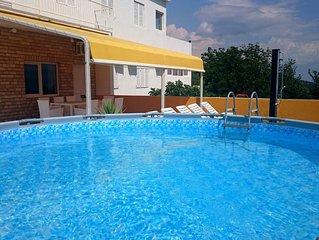 ctim296-Ferienwohnung mit Fitnessstudio und Pool für 6+2 Personen