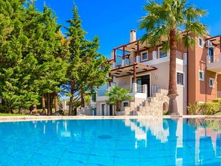 3 bedroom Villa, sleeps 7 with Pool, Air Con and FREE WiFi