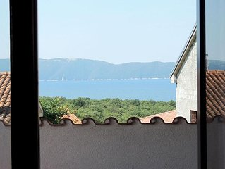Spacious holiday house - stunning sea view, balcony, full privacy