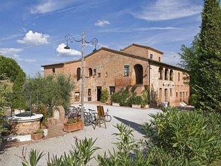 Wunderschone Ferienanlage  von Weinguten umgeben, Zweiraumwohnung