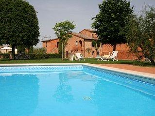 Wunderschone Ferienanlage  von Weinguten umgeben, Dreiraumwohnung