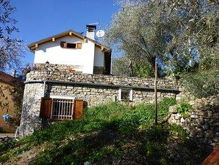 Schones Bauernhaus mitten in den Olivenhainen mit Nahe zum Meer