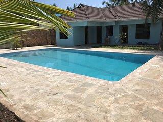 Villa mit grossem Pool, 5 Minuten zum herrlichen weissen Sandstrand