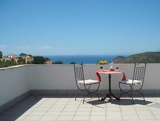 Kleine, feine Ferienwohnung mit Meer- und Panoramablick in ruhiger, grüner Lage