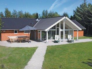 4 Zimmer Unterkunft in Væggerløse