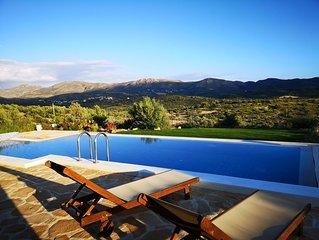 2 SZ Natursteinvilla in Top Lage mit Pool und Garten