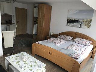 Kleine Ferienwohnung, 35 qm mit Balkon und 1 Schlafzimmer fur max. 2 Personen