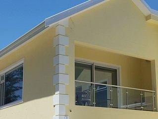 Junior-Suite Merlot, 4-STAR, Voll-Kuche, Fast-WiFi, 55' Smart-TV, Solar-Pool