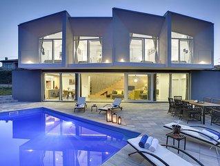 Komfortable Villa mit privatem Pool, Klima, WLAN, Meerblick, BBQ und nur 1,3 km