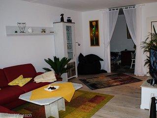 2017 neu eingerichtete 2,5 Zimmer-Wohnung mit Terrasse, WLan vorhanden