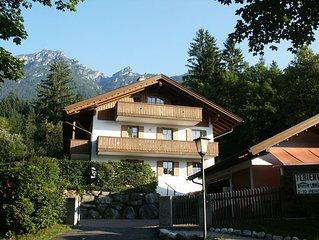 Ferienwohnungen vor Zugspitze und Karwendel