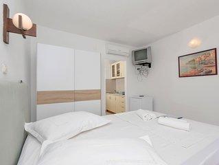 Ferienwohnung Rubin in Hvar/Pokrivenik - 2 Personen, 1 Schlafzimmer
