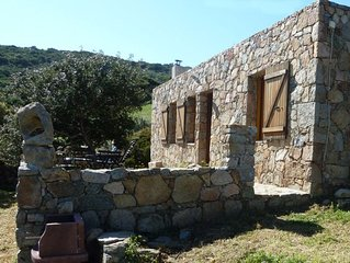 Typisches Natursteinhaus im Naturpark an der Westküste