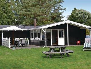 3 Zimmer Unterkunft in Dronningmølle
