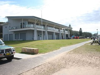 The Bungalow is opposite Shelly Beach, walk to surf and golf clubs