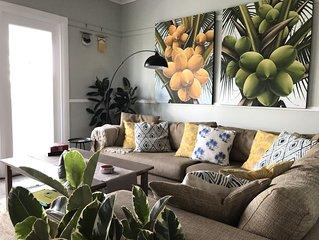 Coconut Cottage Beach Retreat-Netflix-Wifi-Pet friendly-Stroll to Queens Beach