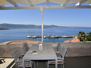A Spacious 2-Level 2-Bedroom Town-Home With Stunning Views To the Aegean Sea