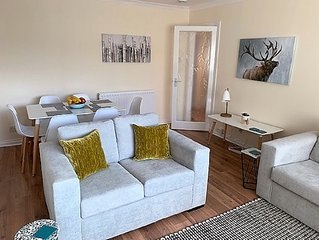 Westhill Apartment Aberdeen with Two Bedrooms, Sleeps 6 with Garden & Parking
