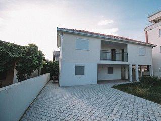 Ferienhaus Ulcinj fur 8 Personen mit 4 Schlafzimmern - Ferienhaus
