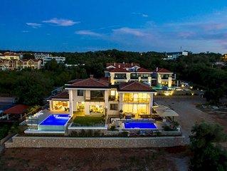 Luxury Villa Marconica