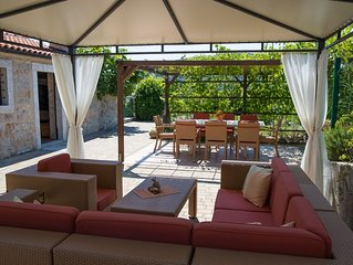 Exclusive Villa, beheizter Pool, ruhige Lage,10% Fruehbucherrabatt,