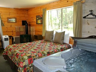 CABIN #6 -SWEETHEART'S COTTAGE (JACUZZI & FIREPLACE)