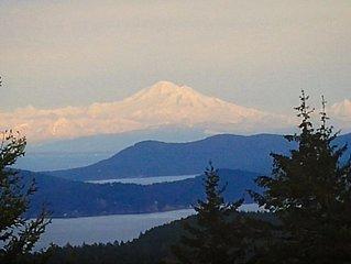 Salt Spring Ocean, Island, & Mountain Views