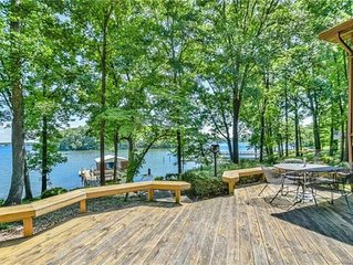 Beautiful and cozy lakefront ranch home with amazing views of Lake Norman!