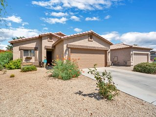 Great house in Johnson Ranch Golf Community. Great winter get away