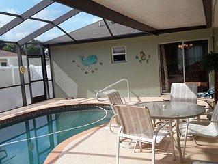 Beautiful 4 BR/2BA Private Pool Home Near Weeki Wachee Springs