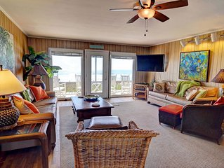 Seven bedroom oceanfront / sound side dock .Aug. 4-11 reduced.Park 8 SU