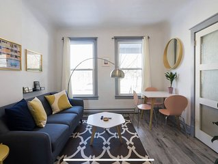 Stylish & Sunny Gem in Trendy Trinity Bellwoods, Ossington + Queen West