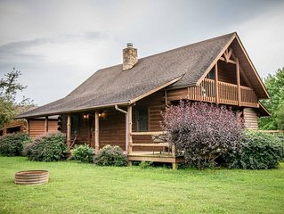 White Pine - Cozy Log Home in The Hocking Hills